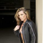 How-to-Properly-Fit-a-Leather-Motorcycle-Jacket-agv-sport