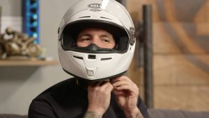 Trying-Motorcycle-Helmets-On-agv-sport