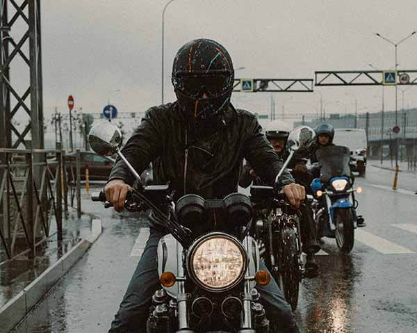 What-can-I-use-to-clean-a-full-face-motorcycle-helmet-agv-sport