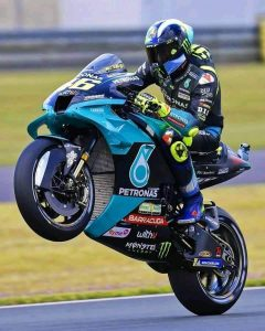 What-does-Valentino-Rossi-ride-agv-sport